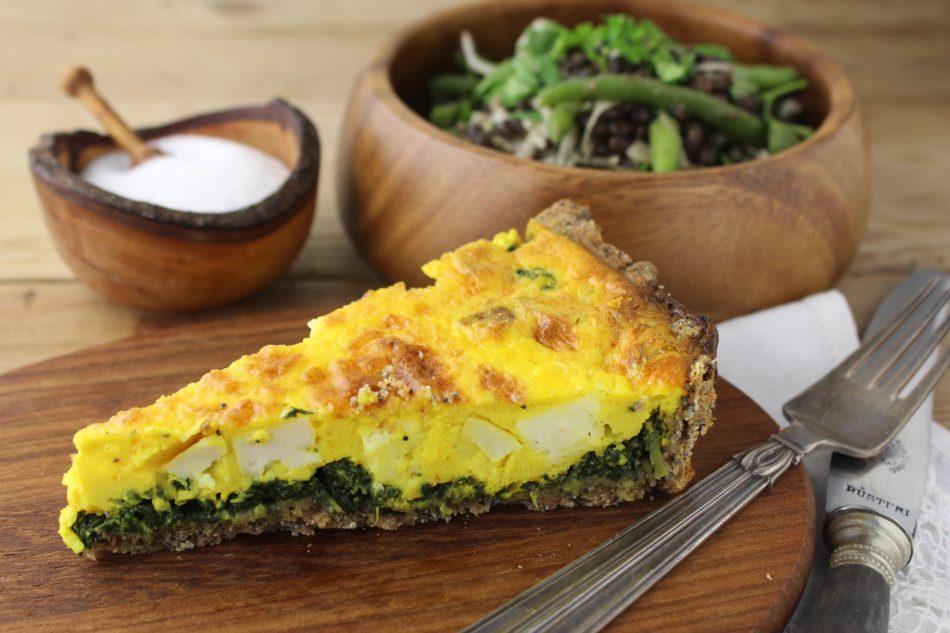 Spinat/fetatærte med grov, sprød bund - Mad med glød