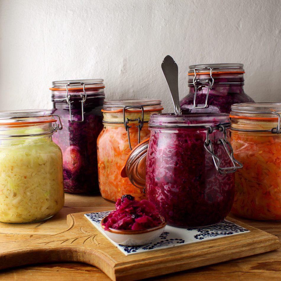 Surkål eller saurkraut (hvordan og hvorfor) - Plantebaseret / vegansk opskrift - Mad med glød