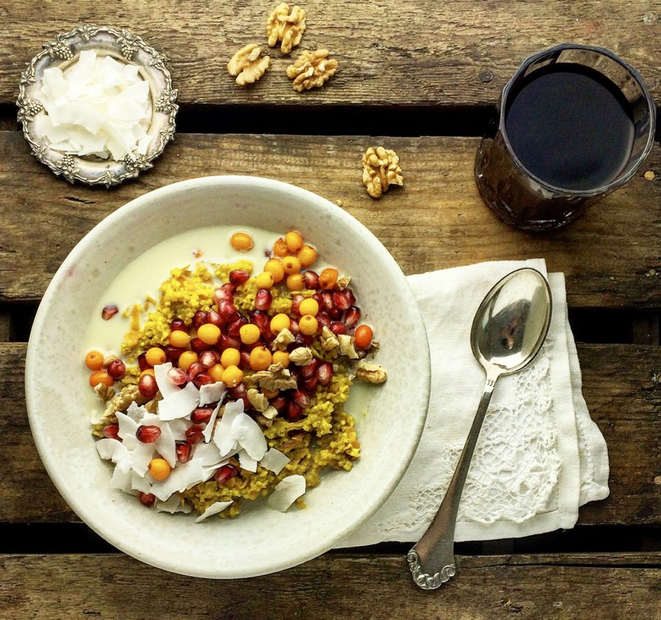 Luksus hirsegrød m/gurkemeje, kanel og kokosmælk - Plantebaseret / Vegansk opskrift - Mad med glød