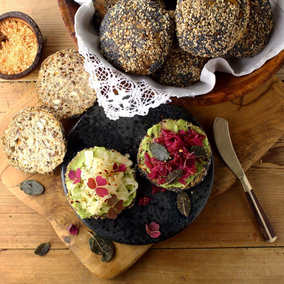 Boghvede/quinoa boller med revet gulerod og mandler - Plantebaseret / Vegansk opskrift - Mad med glød