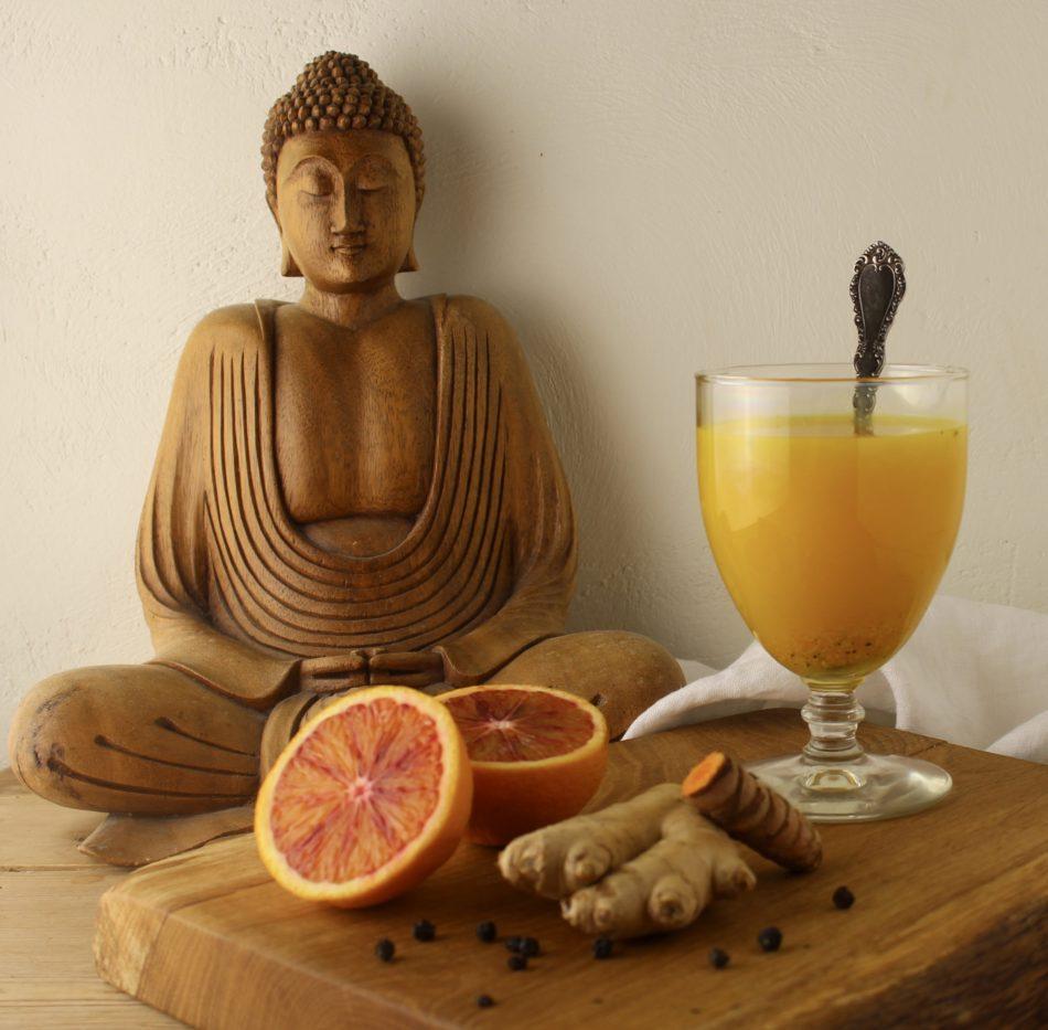 Ingefær gurkemeje te - Plantebaseret / Vegansk opskrift - Mad med glød