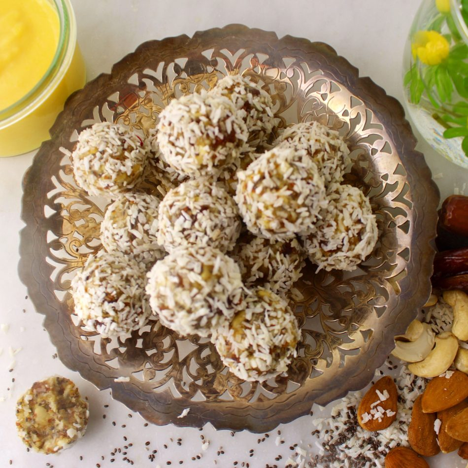 Friske citron/kokos kugler - Mad med glød