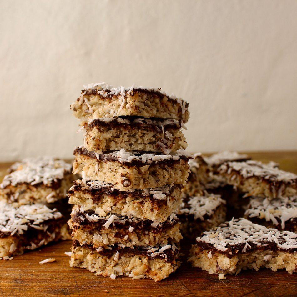 Rustikke kokosbidder med chokotop - Glutenfri opskrift - Mad med glød