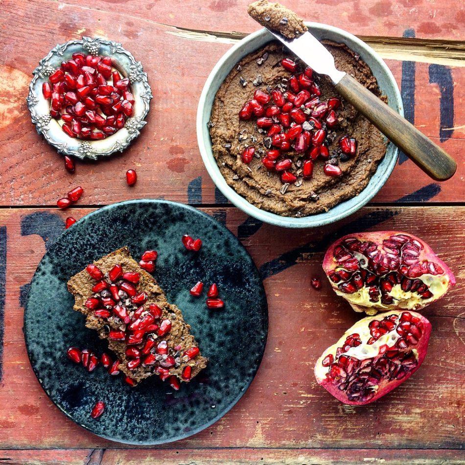 Kakaohumus - Vegansk og sukkerfri opskrift - Mad med glød