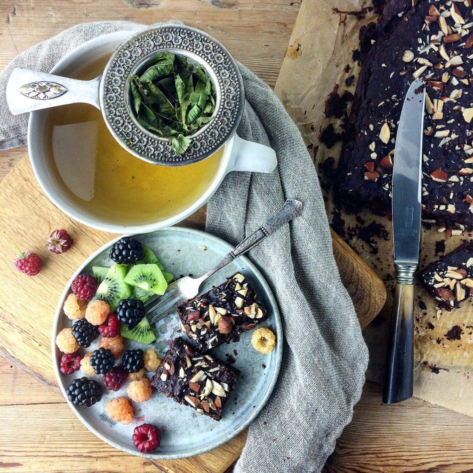 Sort bønne og mandel brownie - Vegansk og glutenfri opskrift - Mad med glød