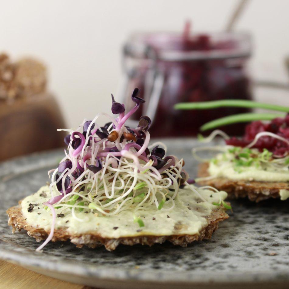 Crackers af spirede korn - Plantebaseret / vegansk opskrift - Mad med glød