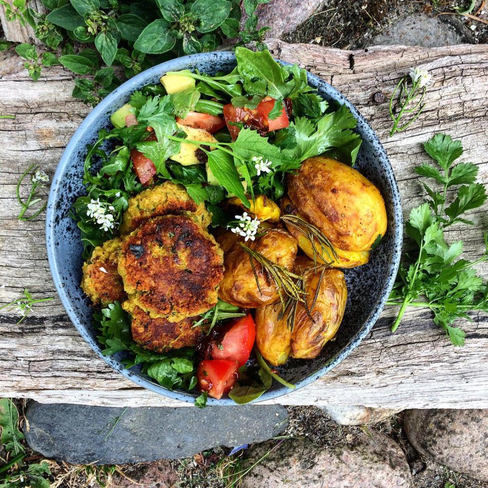 Butterbeansfrikadeller med bagt aubergine og hvidløg - Plantebaseret / Vegansk opskrift - Mad med glød